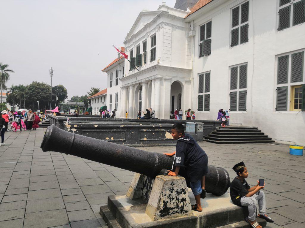 Place Taman Fatahillah