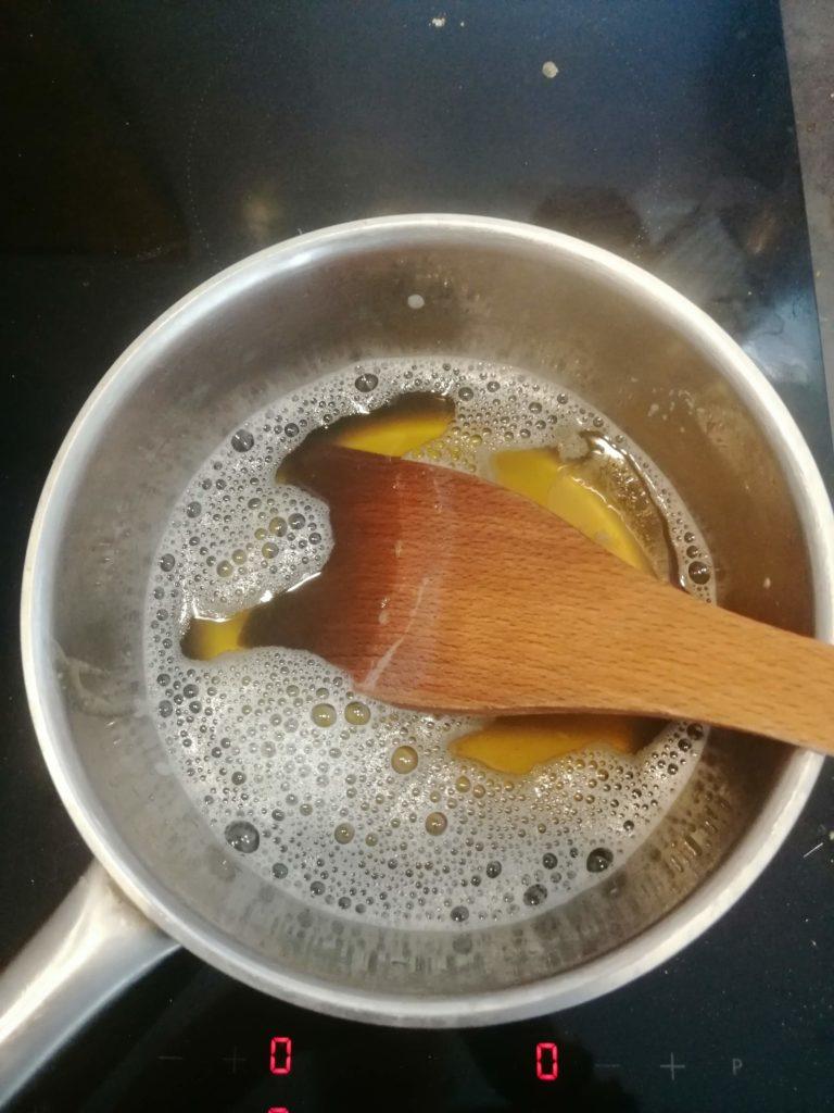 Bien mélanger savon et eau chaude