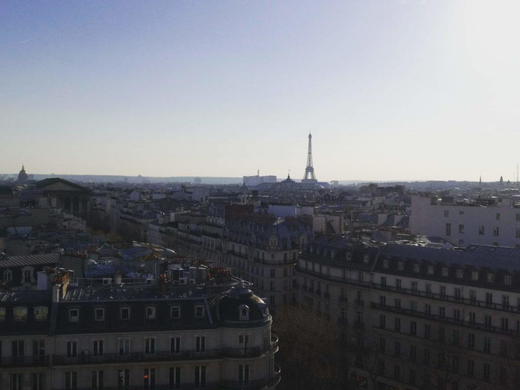 Vue sur Paris depuis le toit du Printemps